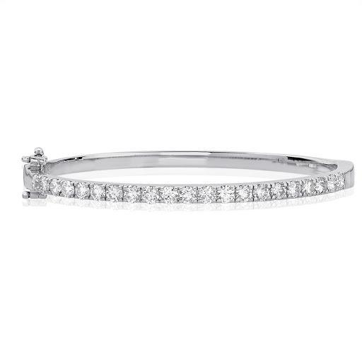 Diamond Bangle Bracelet in 14 K White Gold