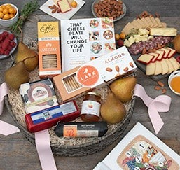 Epic_Charcuterie_Gift