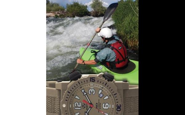 REACTOR watch kayak