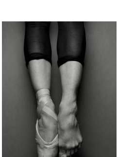 Pointe_Shoe_Bare_Foot