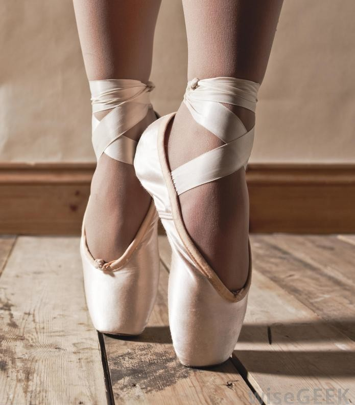 Pointe_Shoes_Fifth_Position