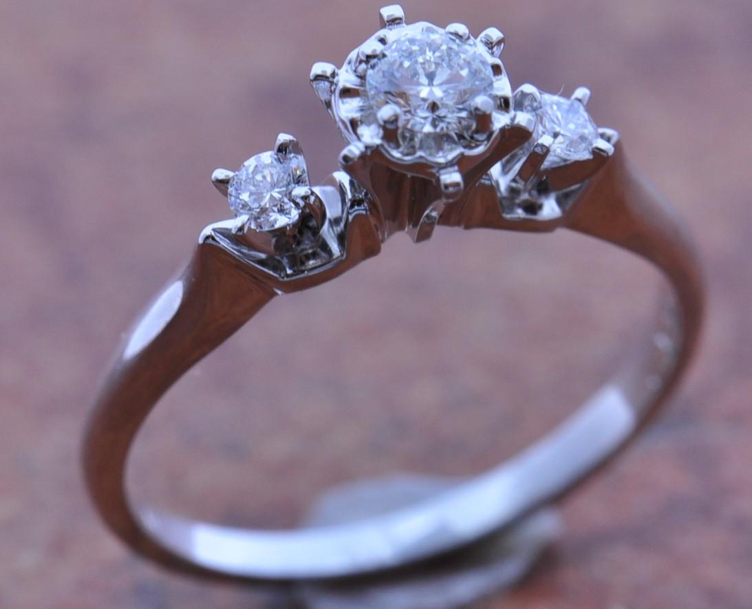 b16095b100f72 10K White Gold 3 Round Diamond Engagement Ring | Sink Jewelers