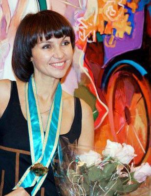 Irene Sheri, Russian artist, originals, romantic impressionist, oil painter, Museum of Academy Art, colorful, figurative, wom